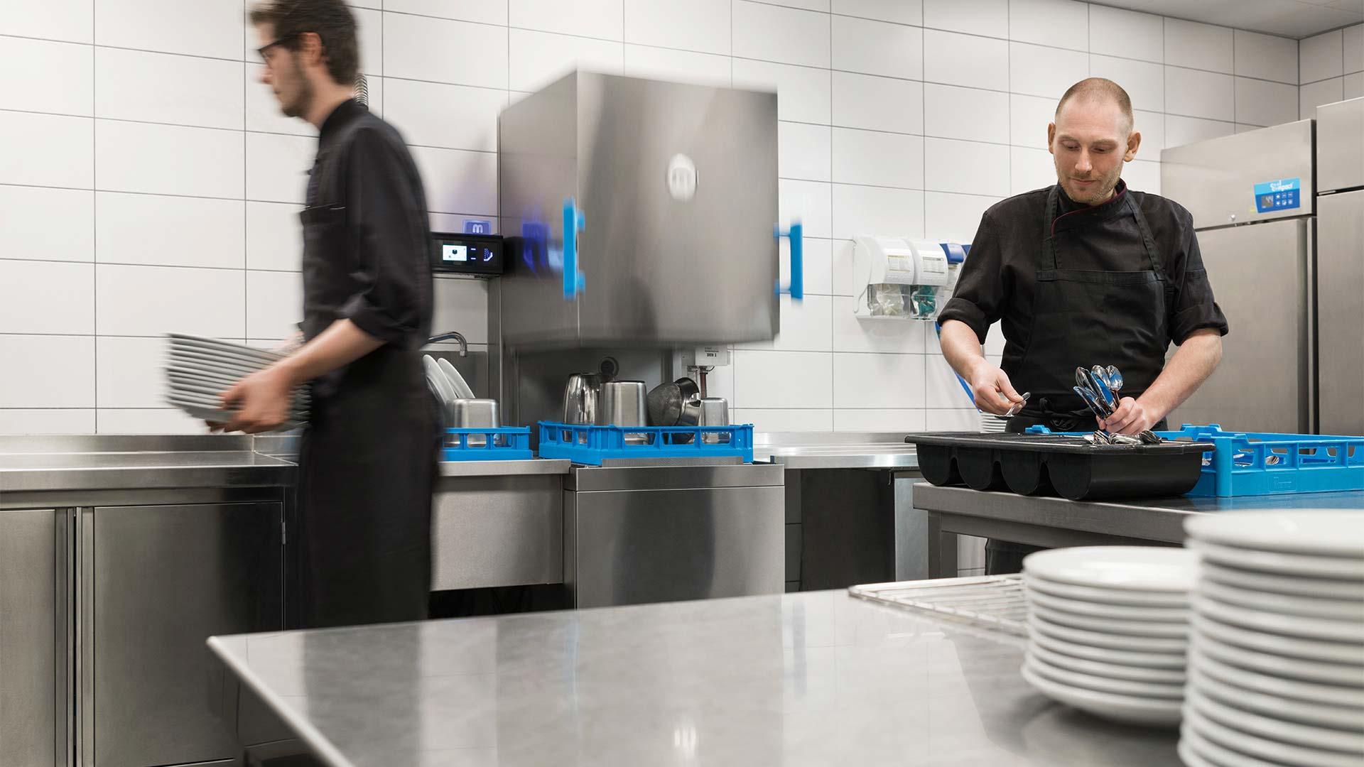 Commercial dishwashers for restaurants, food service - MEIKO