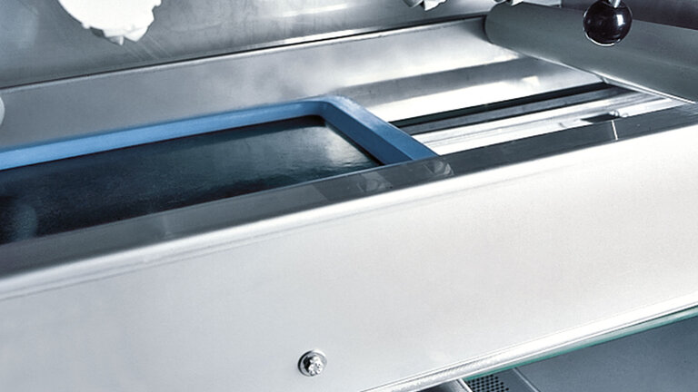 automatic tray washing system